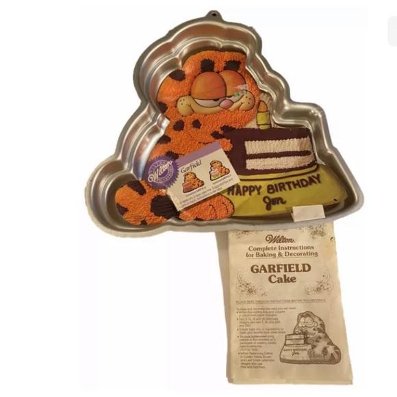Vintage Garfield Cake Pan 1981 Wilton Inst. Book
